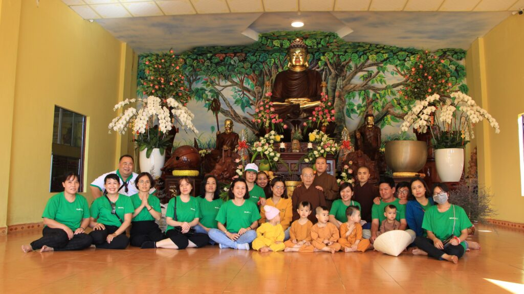 Goodlife thăm trại trẻ mồ côi chùa Huệ Quang