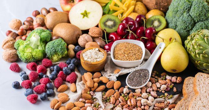 Bổ sung thêm các vitamin và Omega 3 từ các quả hạch